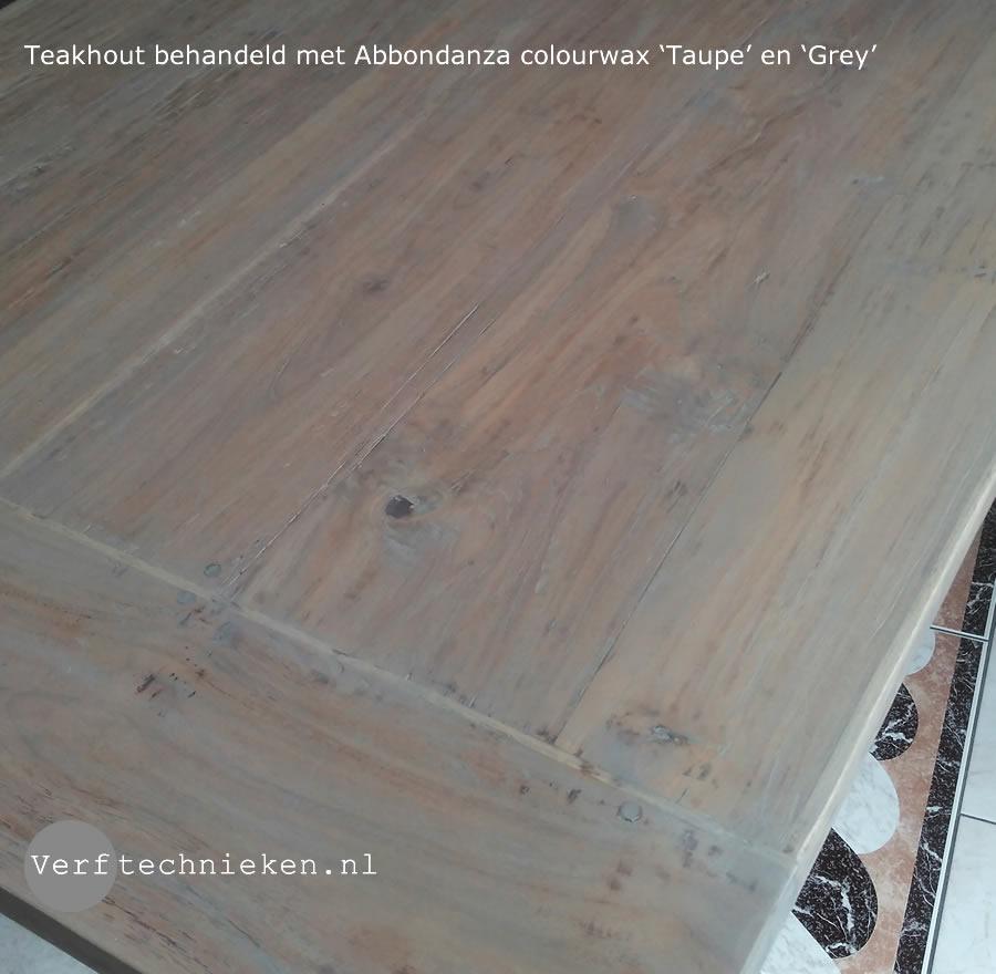 Teak tafel met Abbondanza colourwax Taupe en Grey