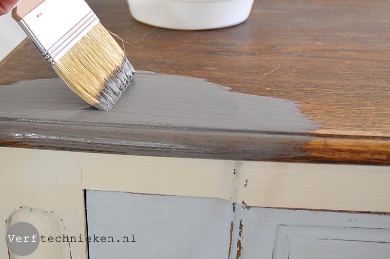 Grenen houten tafel behandelen opgeknapte meubels waslaag van meubel verwijderen houten - Hoe een verf kleur voorbereiden ...