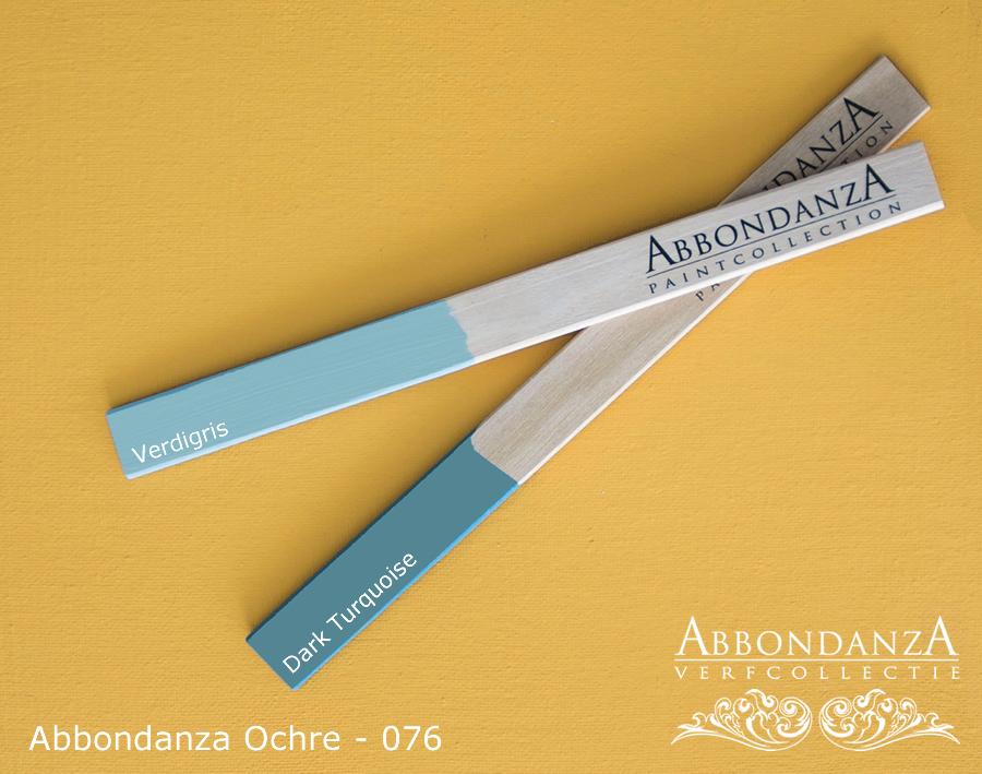 Abbondanza Ochre met Verdigris en Dark Turquoise