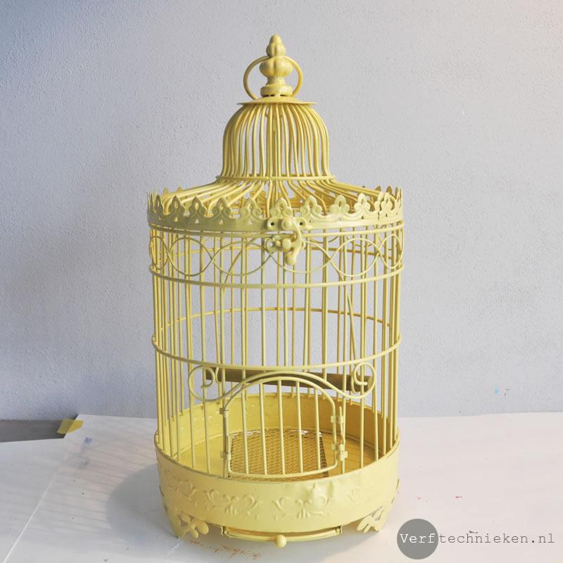 vogelkooi voor de bewerking