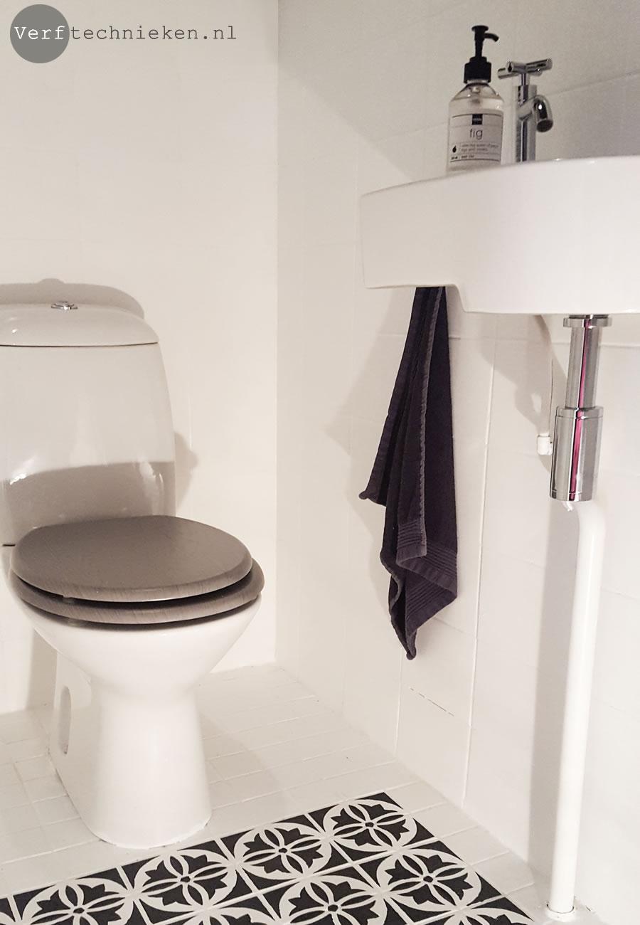Tegels in het toilet verven met abbondanza soft silk verf verftechnieken - Verf wc ...